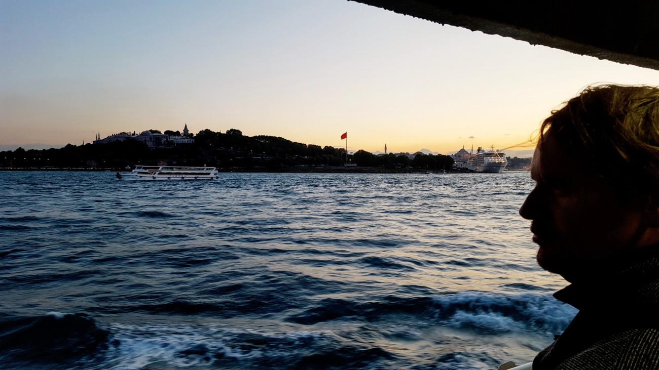 Harry blickt über den Bosporus
