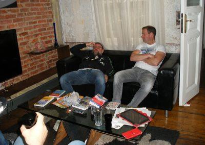 Emma und Jochen im Wohnzimmer