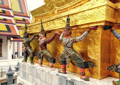 Karyatide Chedi im Wat Phra Kaeo