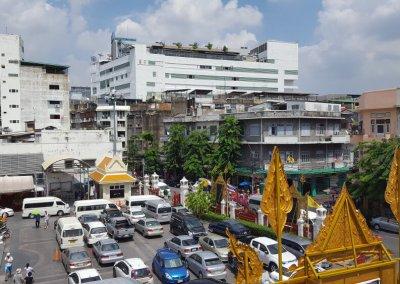 Blick vom Wat Traimit in Bangkok