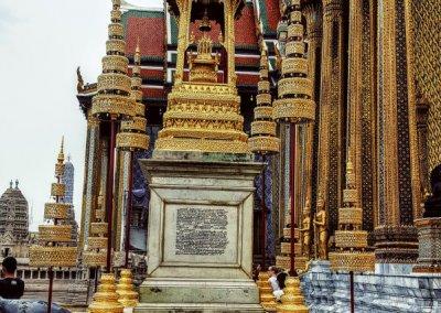 Denkmal des Königs im Wat Phra Kaeo