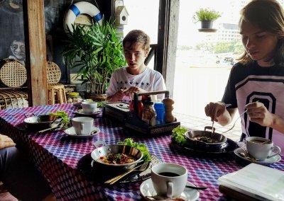 Frühstück im Loy La Long Hotel