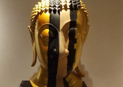 goldener Buddha Ausstellung im War Traimit
