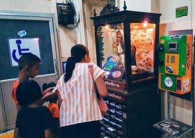 Wahrsager Automat im Bahnhof von Bangkok