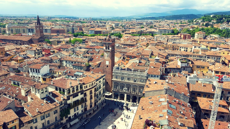 Blick auf Piazza del Erbe