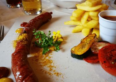 Currywurst im Genießer Restaurant Sennerland