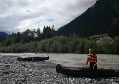 Emma mit Kayak am Lech