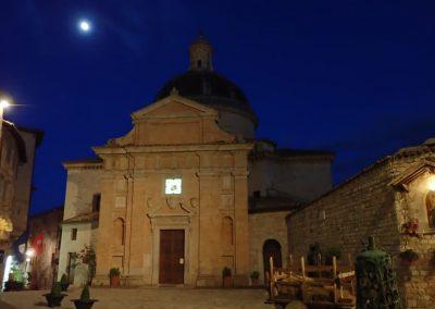 Assisi bei Nacht